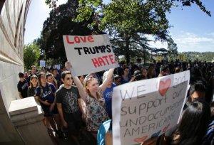 El Procurador General Becerra exhorta a escuelas de California a proteger los derechos civiles de todos los estudiantes, sobre todo de minorías y de educación especial