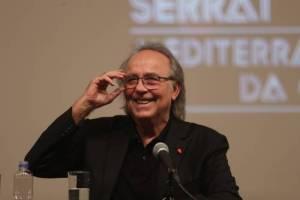 He cantado en tabernas, prostíbulos, estadios y hasta en un ring, asegura Joan Manuel Serrat
