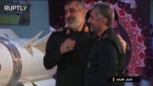 VIideos: Irán muestra un complejo subterráneo secreto y un nuevo misil balístico