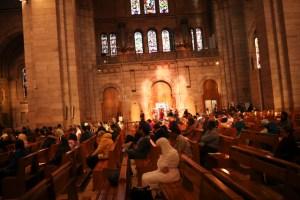 Repican las campanas en toda Francia en honor a Notre Dame; cúmulo de ayuda para restauración