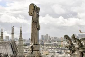 Cortocircuito, probable causa del incendio en Notre Dame