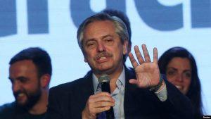 Fernández promete alinearse a México y Uruguay sobre Venezuela, de ganar las elecciones
