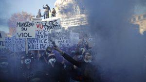 Disturbios en París durante una multitudinaria protesta en contra de la violencia de las fuerzas de seguridad