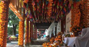 México vive inédito Día de Muertos. Hasta en Pátzcuaro y Janitzio la COVID apaga la fiesta