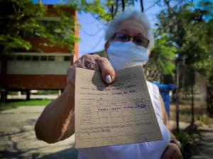 """Un pinchazo"""" y listo: Cuba empieza inmunización contra COVID-19 con su propia vacuna"""