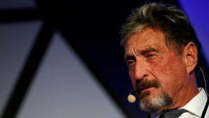 Encuentran muerto en su celda española al creador del antivirus McAfee