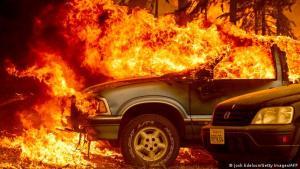 Video: Cinco desaparecidos a causa del gran incendio Dixie en el norte de California