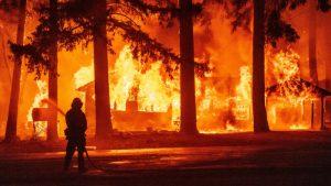 El incendio Dixie ha arrasado un área que duplica el tamaño de la ciudad de Nueva York