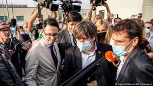 """""""Seguiré peleando"""", asegura Puigdemont tras su liberación"""