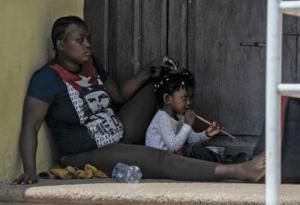 Migrantes inician huelga de hambre en México para exigir libre tránsito hacia EU
