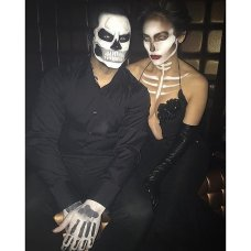 Jennifer Lopez and Casper Smart-Skeletons