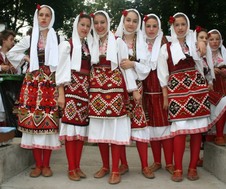 costumes-macedoine-Koco Racin Macedonian Ensemble of Folk Dances and Songs from Skopie Macedonia