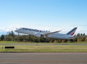 Boeing_787-9_Air_France_decollage