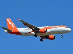 Airbus_A320_easyJet