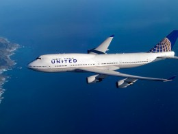 Boeing_747-400_United_Airlines