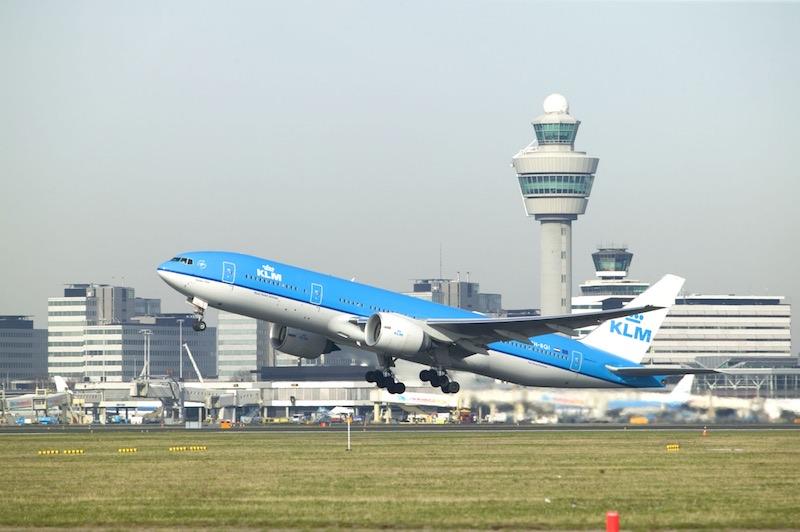 Un Boeing 777 de KLM perd une pièce après son décollage à Osaka