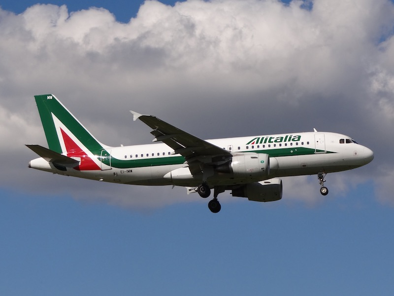 Alitalia donne plus de temps à ses repreneurs potentiels