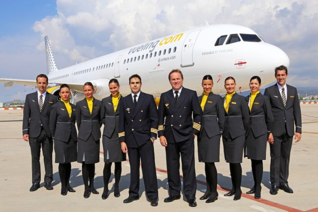 Vueling A321_equipage_pilotes_hotesses_stewards