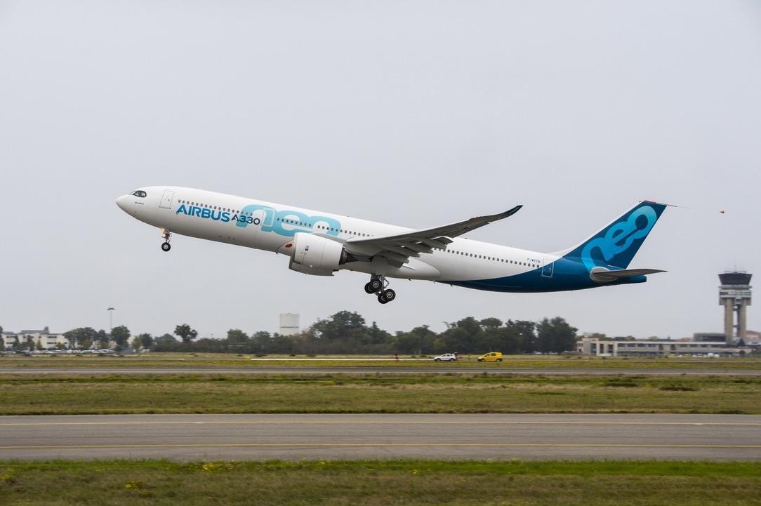 Premier vol d'essai de l'A330neo — AIRBUS