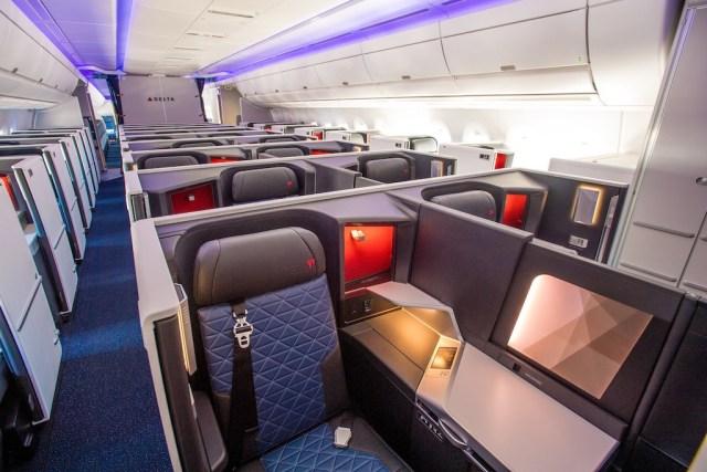 Airbus_A350_Delta_suites_Delta-One