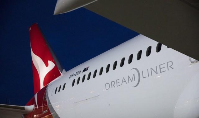Boeing_787-9_Qantas_Dreamliner