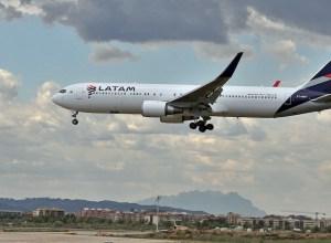 LATAM_Airlines_brasil_Boeing_767-300ER
