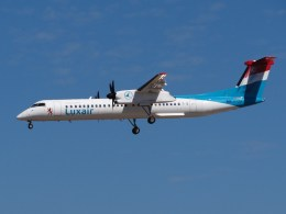 Bombardier_Q400_Luxair