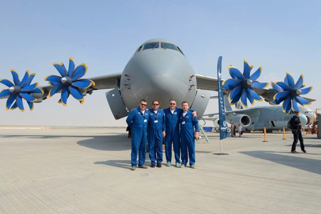 Antonov_Dubai_2017_AN-70_STOL