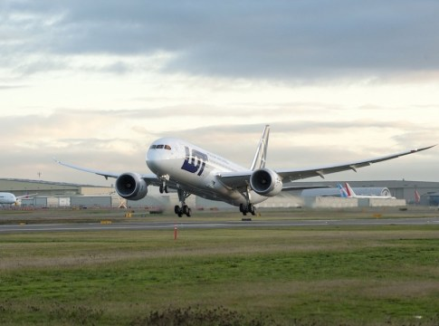 LOT_Polish_Airlines_Boeing_787-8