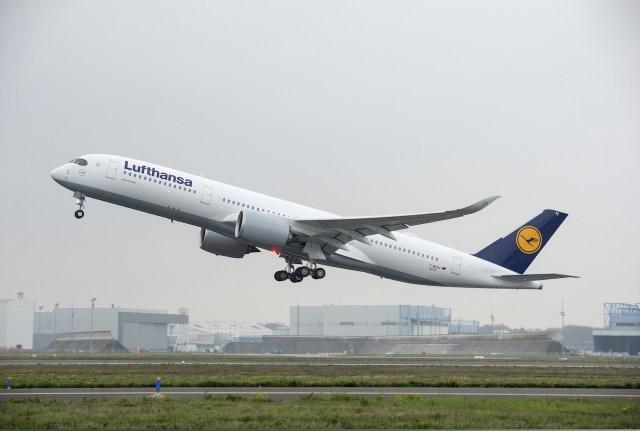 Airbus_A350-900_Lufthansa_decollage