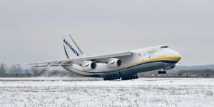 Antonov_An-124