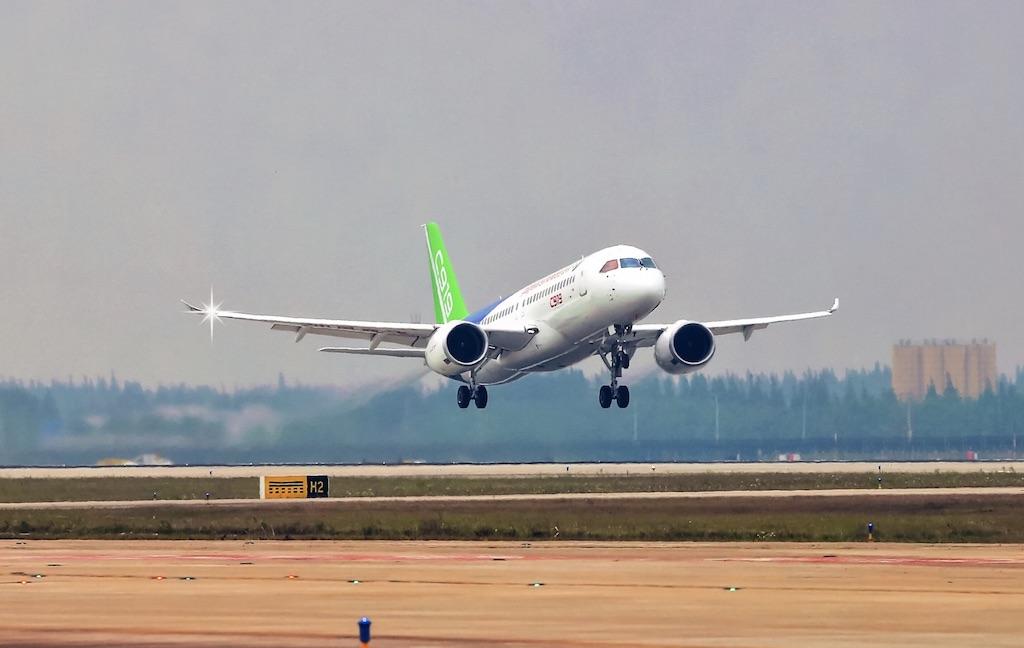 Le deuxième C919 effectue son vol inaugural