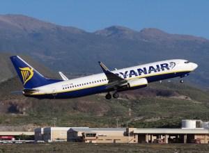 Boeing_737-800_Ryanair_Tenerife_Sud