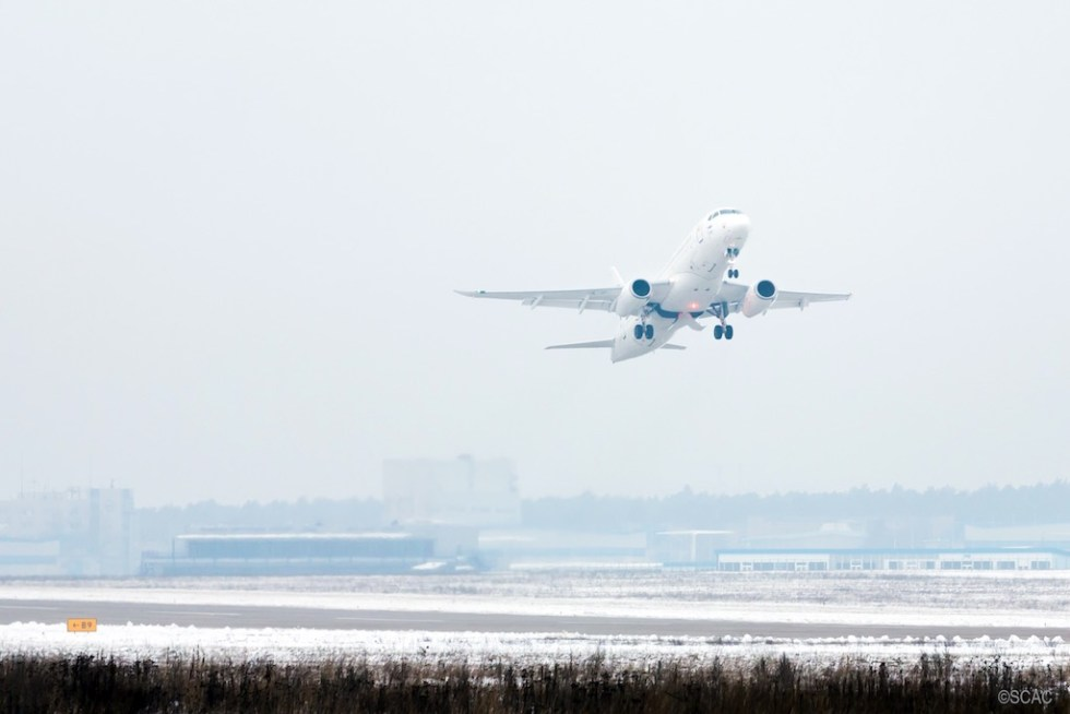 Sukhoi_Superjet_SSJ100_Saberlets_Copyright_SCAC