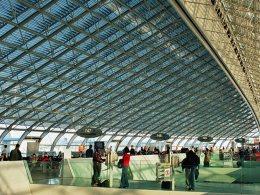 Aeroport_Paris_Charles_de_Gaulle_terminal_2F