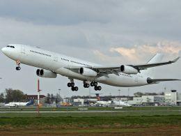 Airbus_A340-300_Hi_FLY_CS-TQM_(4507760329)_(2)