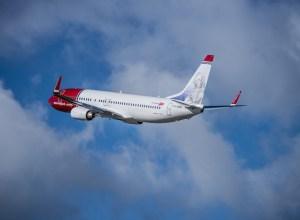 Boeing_737-800_Norwegian_4