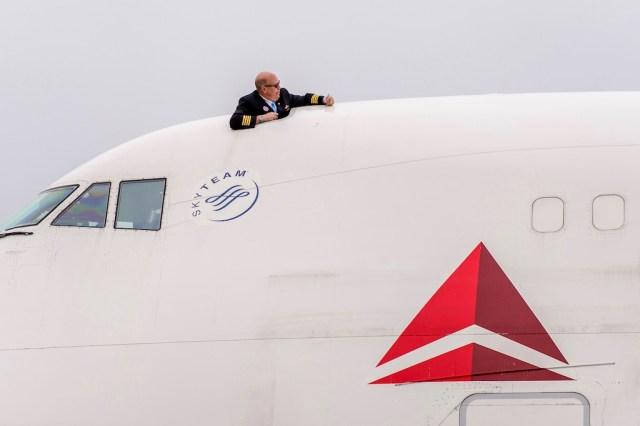 Boeing_747_Delta_tournee_d_adieu_1
