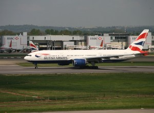British_Airways_Boeing_777_aeroport_Londres-Gatwick