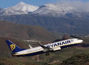 Boeing 737-800_Ryanair