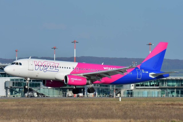 Airbus_A320-200_Wizz_Air