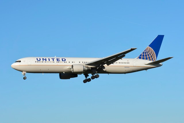 Boeing_767-300ER_United_Airlines