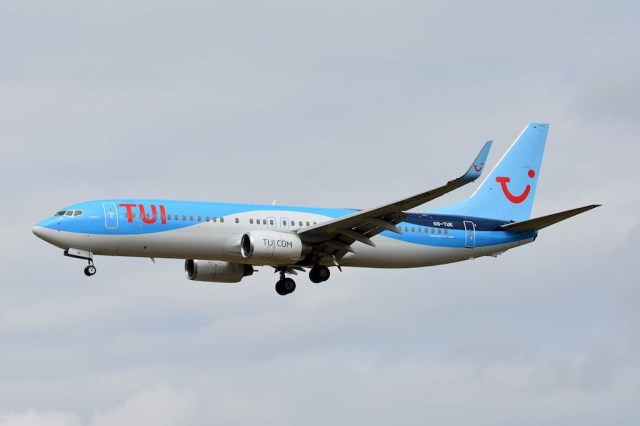 Boeing_737-800_TUI_fly_belgique