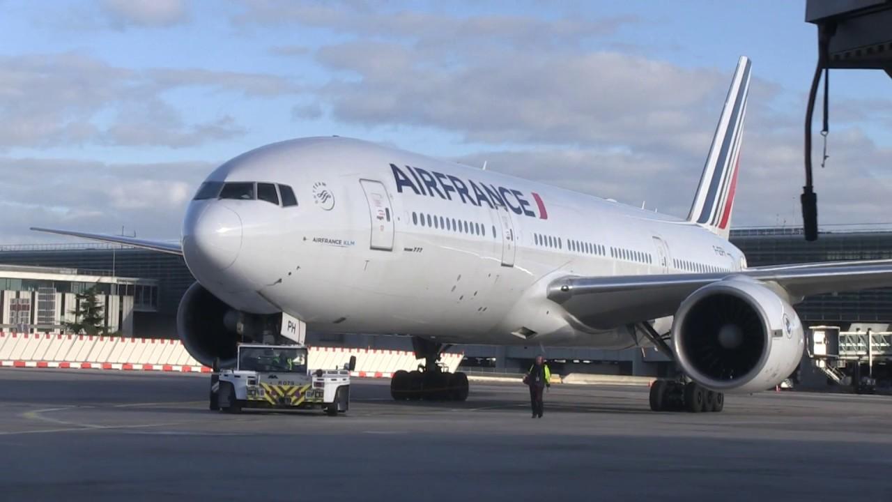 """Vidéo : Air France reçoit de nouveaux tracteurs """"push"""""""