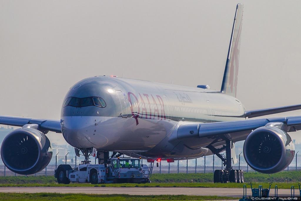 Airbus livre le premier A350-1000 à Qatar Airways