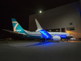 Boeing_737_MAX_7_roll-out