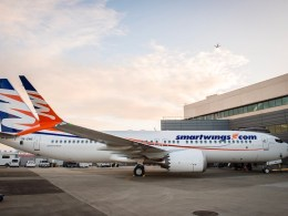 Boeing_737_MAX_8_Travel_Service_Smartwings