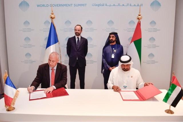 Emirates_confirme_20_plus_16_Airbus_A380