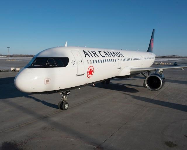 Airbus_A321_Air_Canada_Montreal