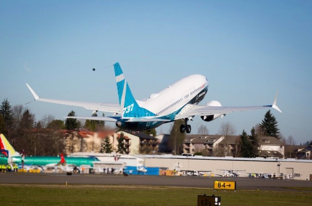 Boeing_737_MAX_7_premier_vol